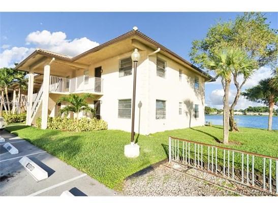 5510 Lakeside Dr  #209, Margate, FL - USA (photo 1)
