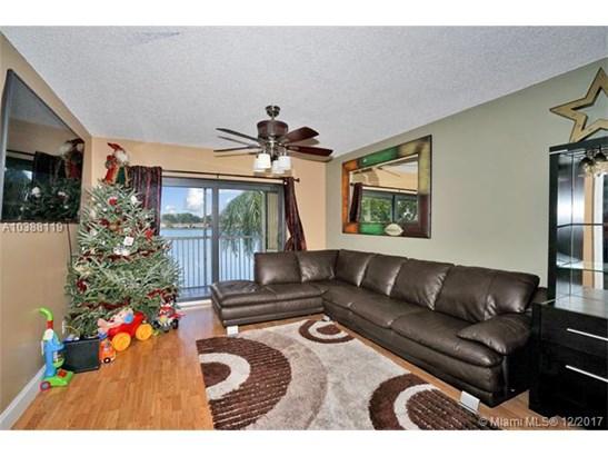 5510 Lakeside Dr  #209, Margate, FL - USA (photo 3)