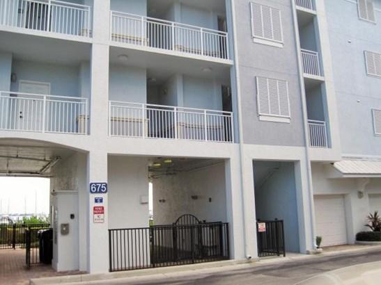 Condo/Townhouse - Stuart, FL (photo 2)