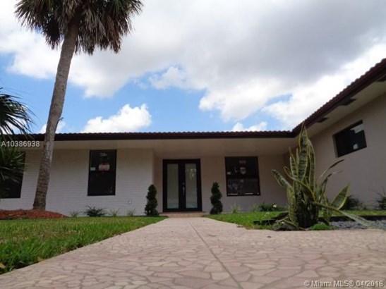 14720 Dade Pine Ave, Miami Lakes, FL - USA (photo 2)