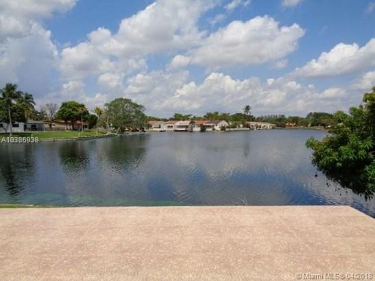 14720 Dade Pine Ave, Miami Lakes, FL - USA (photo 5)