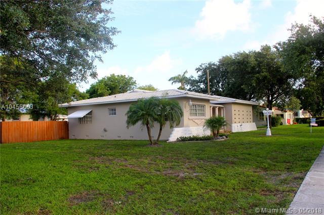 70 Hammond Dr, Miami Springs, FL - USA (photo 4)