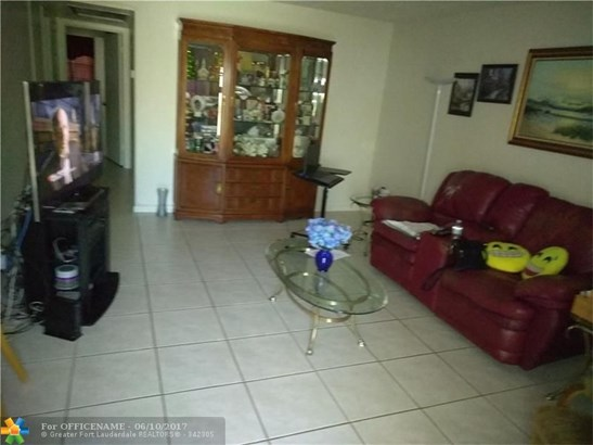Condo/Townhouse - Deerfield Beach, FL (photo 3)