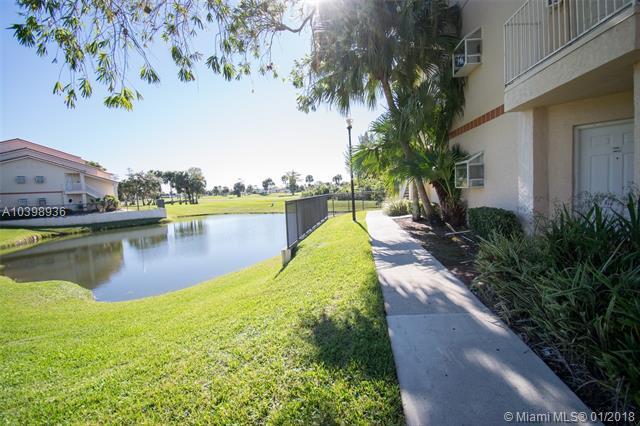 3330 N Pinewalk Dr N  #1611, Margate, FL - USA (photo 2)