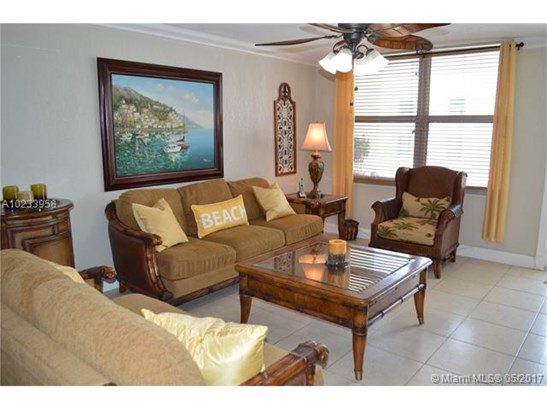 Condo/Townhouse - Surfside, FL (photo 4)