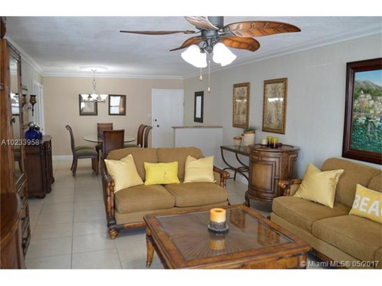Condo/Townhouse - Surfside, FL (photo 5)