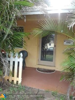 1313 Sw 1st Ter, Deerfield Beach, FL - USA (photo 1)