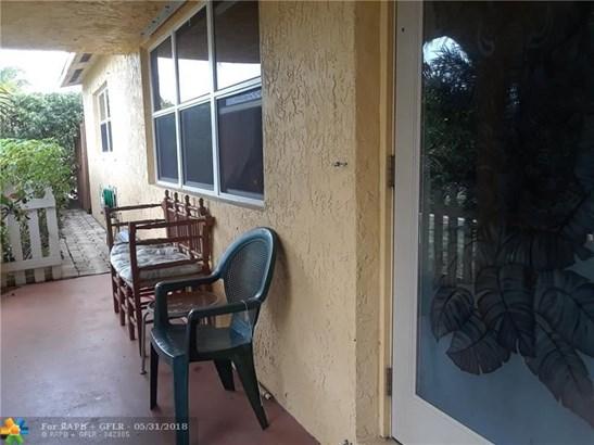 1313 Sw 1st Ter, Deerfield Beach, FL - USA (photo 5)
