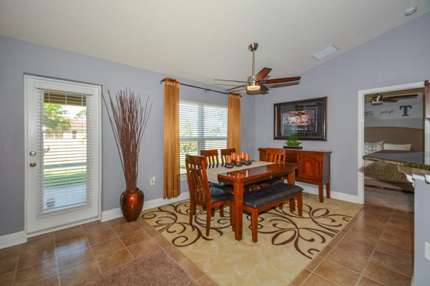 3256 Sw Hambrick Street, Port St. Lucie, FL - USA (photo 5)