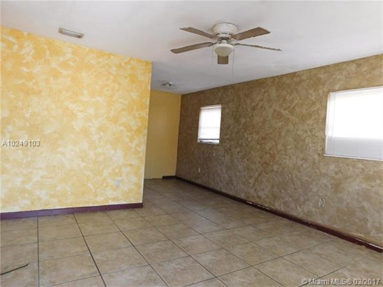 530 Nw 69th Ter, Hollywood, FL - USA (photo 4)