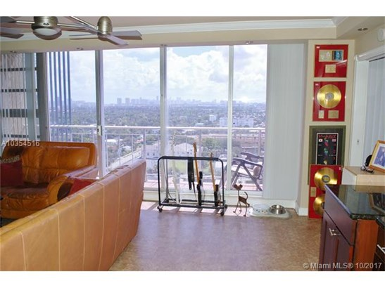 1720 Harrison St  #16d, Hollywood, FL - USA (photo 3)