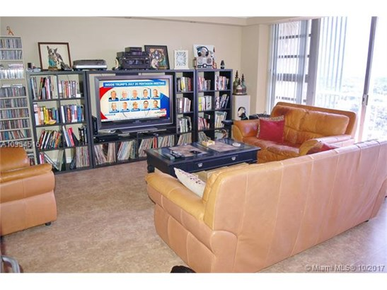 1720 Harrison St  #16d, Hollywood, FL - USA (photo 4)
