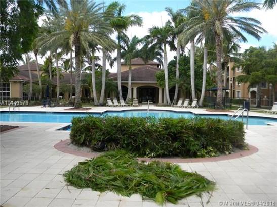 7970 N Nob Hill Rd  #106, Tamarac, FL - USA (photo 2)