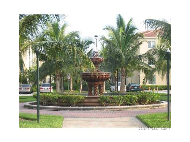 2586 Centergate Dr, Miramar, FL - USA (photo 2)