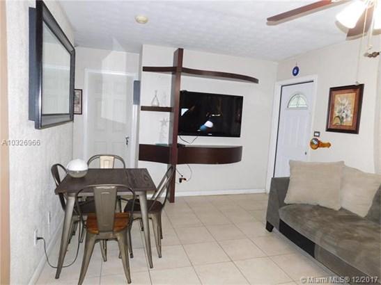 6837 Sw 12th St, Pembroke Pines, FL - USA (photo 4)