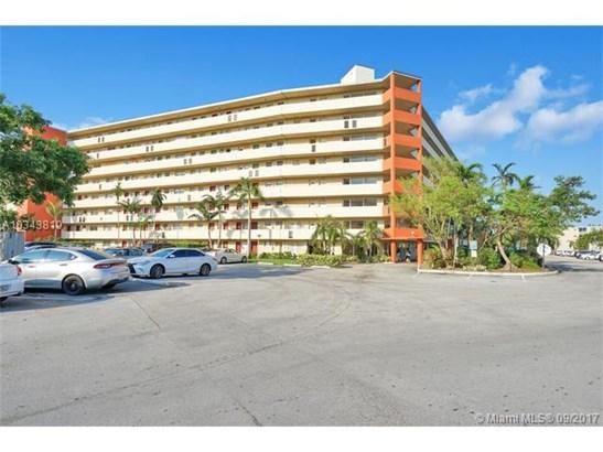 1750 Ne 191st St, North Miami Beach, FL - USA (photo 1)