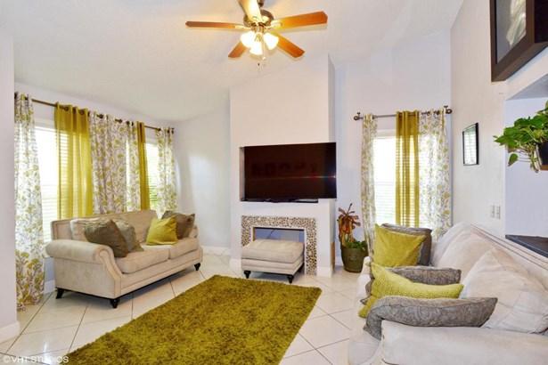 4315 Willow Brook Circle, West Palm Beach, FL - USA (photo 2)