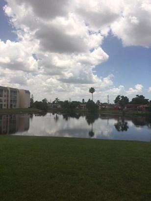 2711 Nw 104th Avenue Unit 101, Sunrise, FL - USA (photo 4)