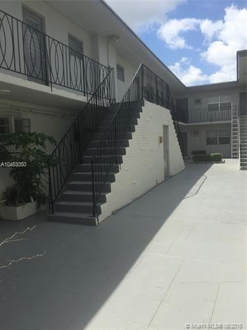 16951 Ne 18th Ave, North Miami Beach, FL - USA (photo 5)