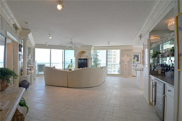 8650 S Ocean Drive 606, Jensen Beach, FL - USA (photo 5)