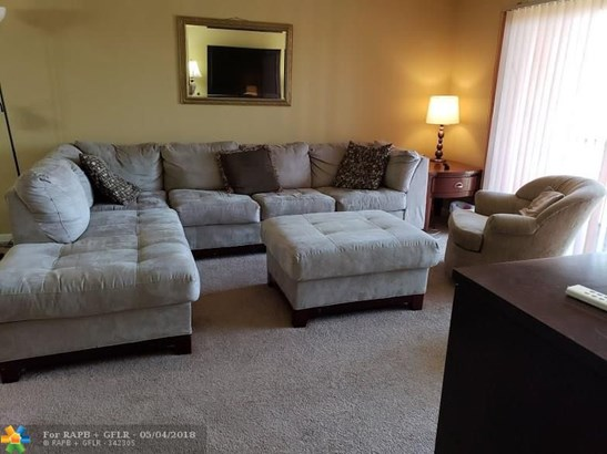 8100 Sw 24th St #207, North Lauderdale, FL - USA (photo 2)