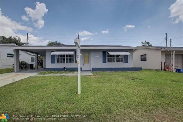 4902 Nw 27th Ave, Tamarac, FL - USA (photo 2)