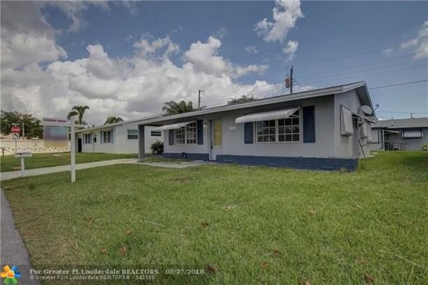 4902 Nw 27th Ave, Tamarac, FL - USA (photo 3)