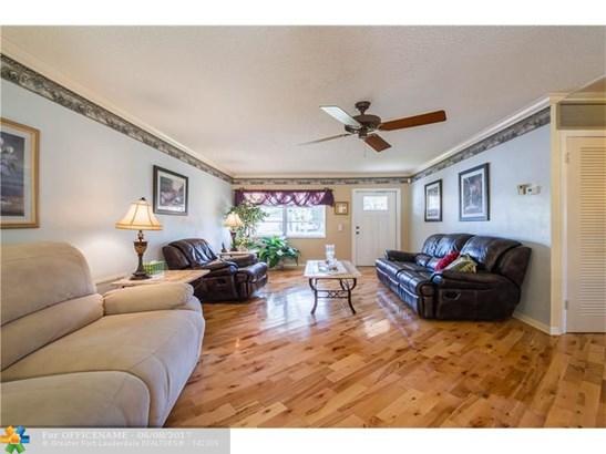 Single-Family Home - Deerfield Beach, FL (photo 4)