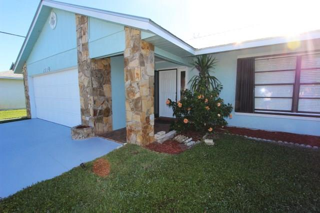 1670 Se Holiday Road, Port St. Lucie, FL - USA (photo 1)