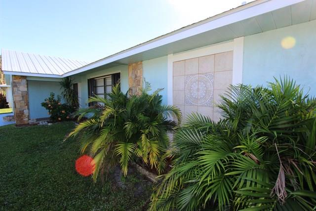 1670 Se Holiday Road, Port St. Lucie, FL - USA (photo 5)