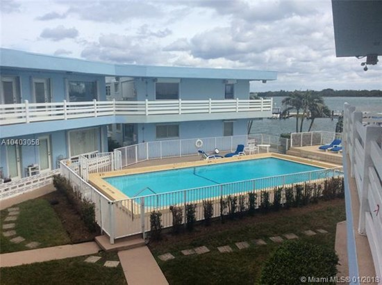 2700 Ne 135th St  #12, North Miami, FL - USA (photo 5)