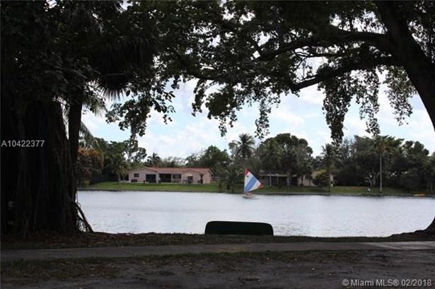 7310 S Miami Lakeway S, Miami Lakes, FL - USA (photo 3)