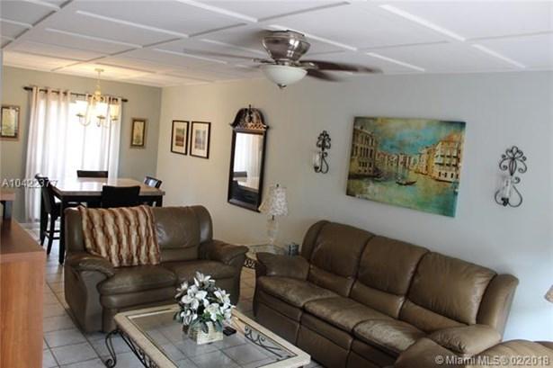 7310 S Miami Lakeway S, Miami Lakes, FL - USA (photo 4)