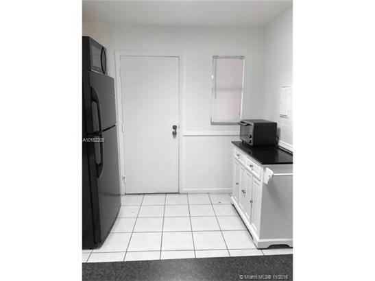 6201 N Falls Circle Dr  #113, Lauderhill, FL - USA (photo 4)