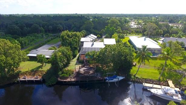 6890 Sw Gaines Avenue, Stuart, FL - USA (photo 3)