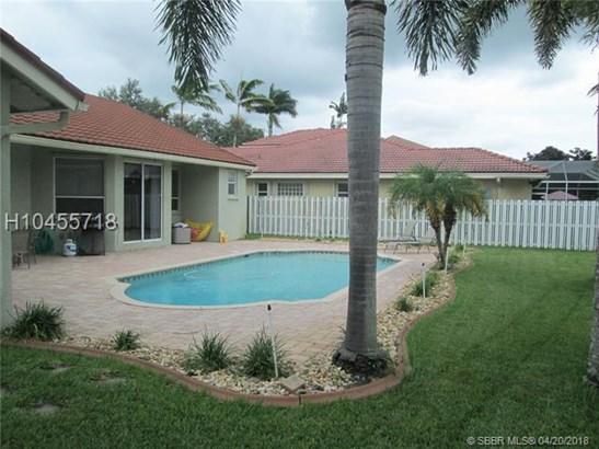 1583 Nw 182nd Way , Pembroke Pines, FL - USA (photo 5)