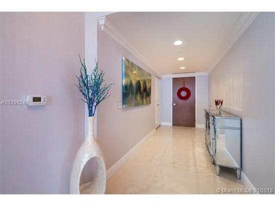 6365 Collins Ave  #3001, Miami Beach, FL - USA (photo 3)
