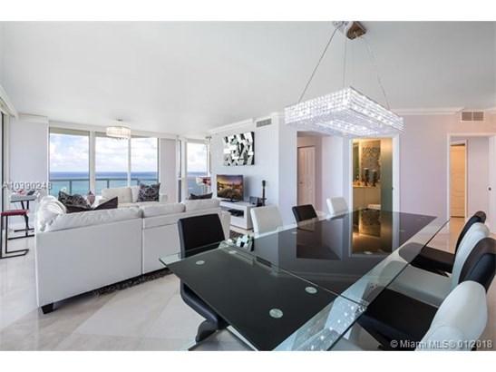 6365 Collins Ave  #3001, Miami Beach, FL - USA (photo 5)