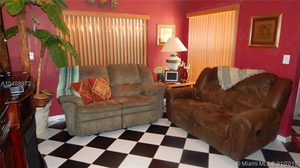 16801 Nw 69th Pl, Hialeah, FL - USA (photo 2)