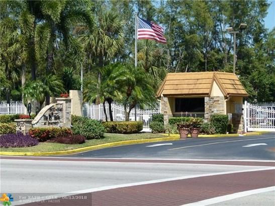 3940 Inverrary Blvd #505a, Lauderhill, FL - USA (photo 1)