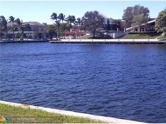 2071 S Blue Water Ter S, Lauderdale By The Sea, FL - USA (photo 1)