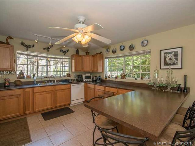 25374 Sw 108th Ct, Homestead, FL - USA (photo 2)