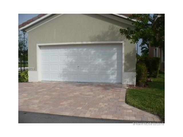 Single-Family Home - Homestead, FL (photo 4)