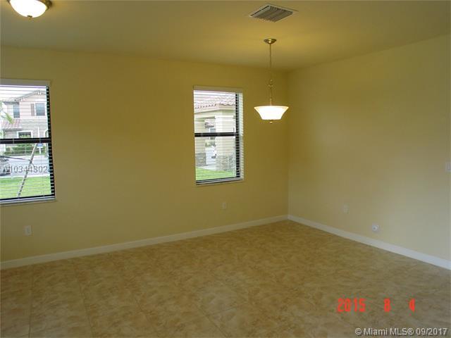 8872 W 35 Ct  #8872, Hialeah, FL - USA (photo 3)