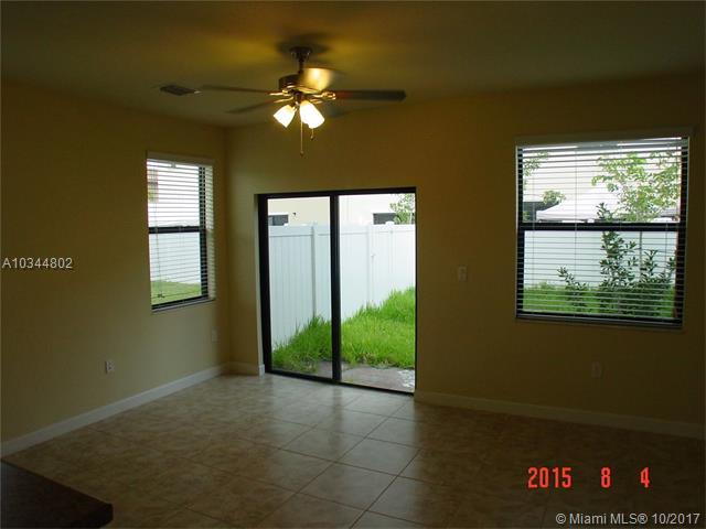8872 W 35 Ct  #8872, Hialeah, FL - USA (photo 4)