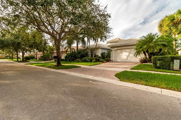 6859 Fiji Circle, Boynton Beach, FL - USA (photo 2)