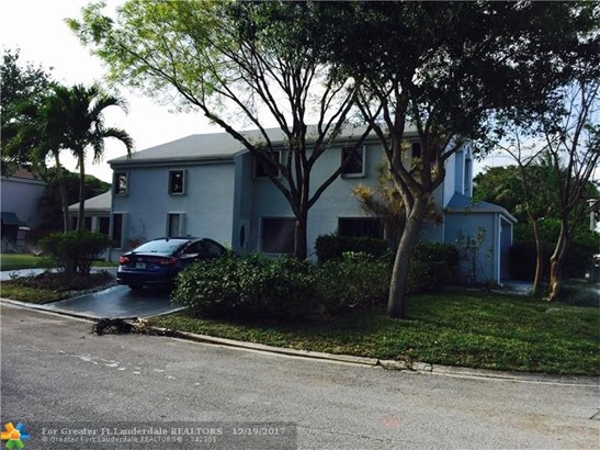 2001 Nw 38th Ave, Coconut Creek, FL - USA (photo 2)