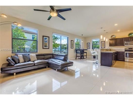 8688 W 35th Ct, Hialeah, FL - USA (photo 1)
