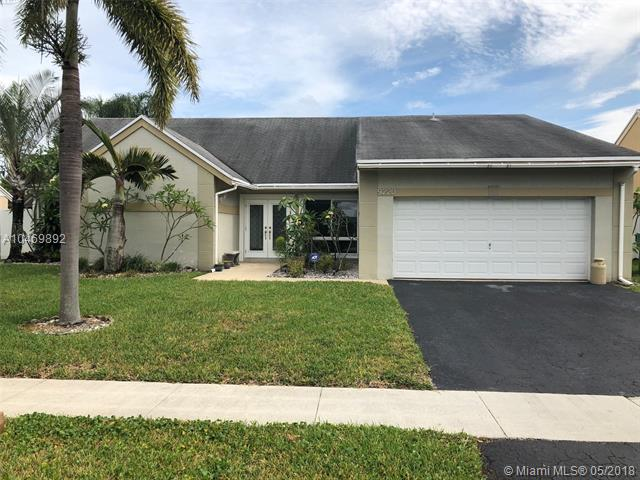 9220 N Cypress Cir, Miramar, FL - USA (photo 1)