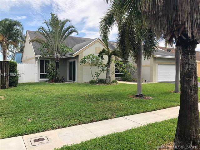 9220 N Cypress Cir, Miramar, FL - USA (photo 3)